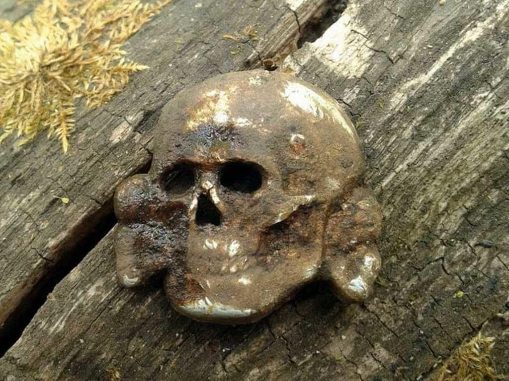 Раскопки немецких блиндажей от черных копателей