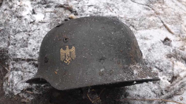 Немецкая каска найдена отрядом Юрий Гагарин в сохране